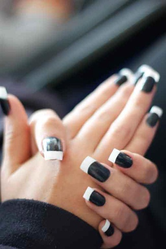 Monochrome nagels for Black and white painting techniques